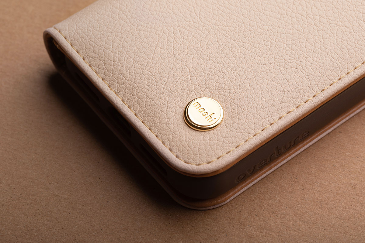 Classic vegan leather finish with zinc alloy stud