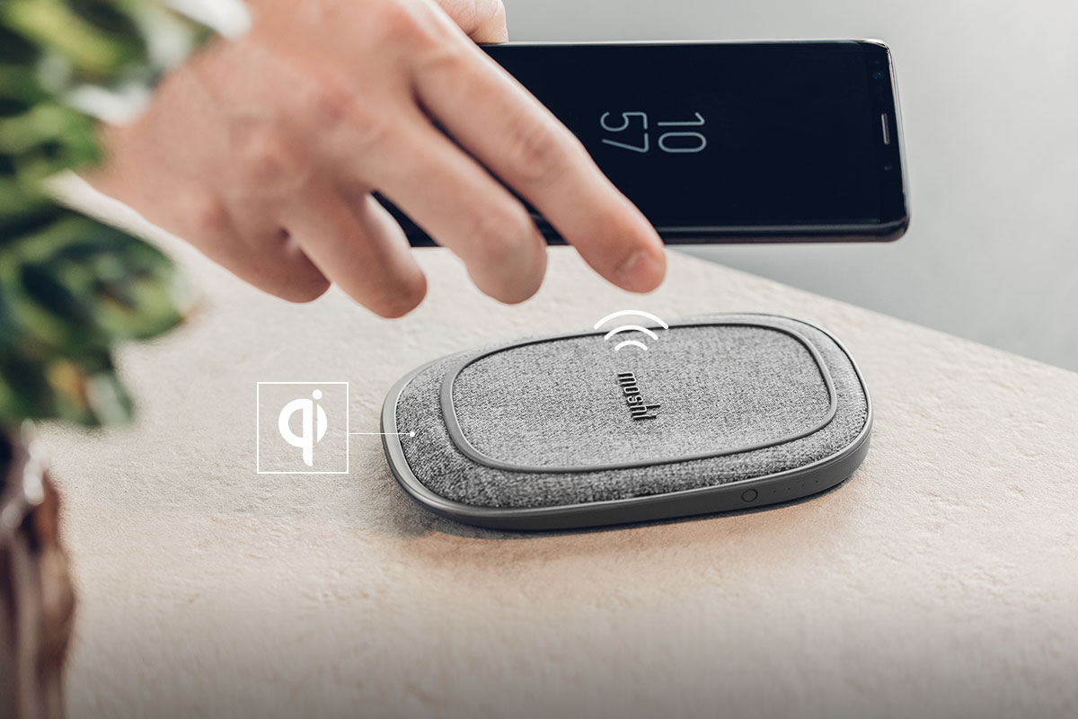 Porto Q 5K is Qi-certified for wide compatibility across all types of devices, supporting up to 7.5 W fast-charging in battery mode and up to 15 W in power adapter mode.