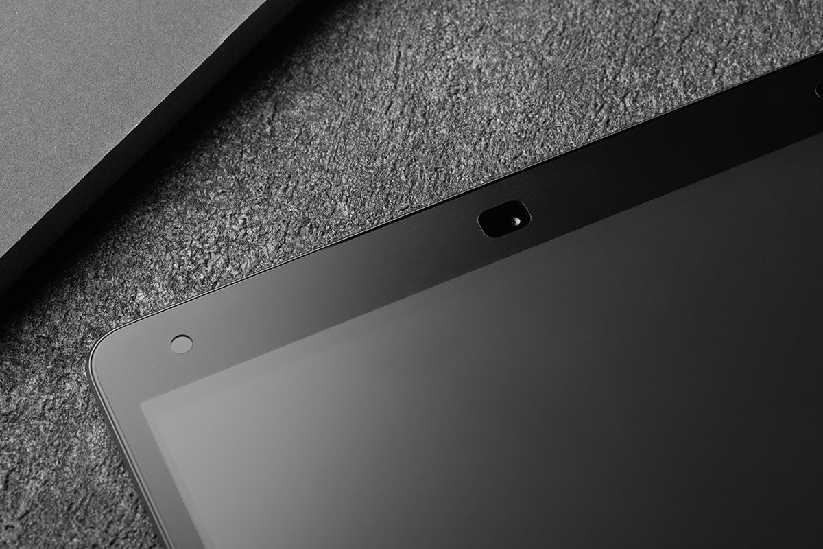 A close up of Moshi's iVisor screen protector for iPad showing its complete edge-to-edge coverage.