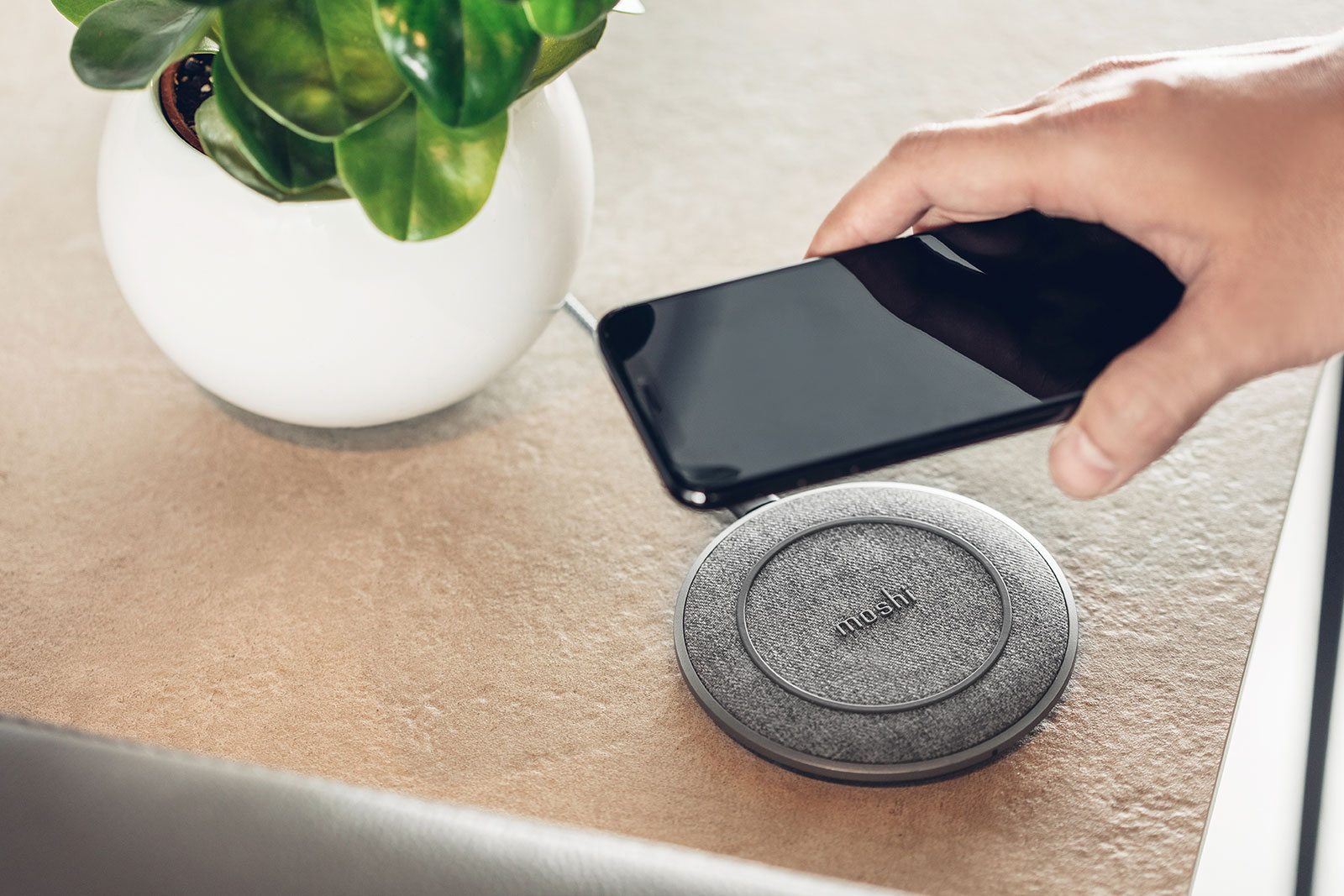 Nordic-inspired wireless charging